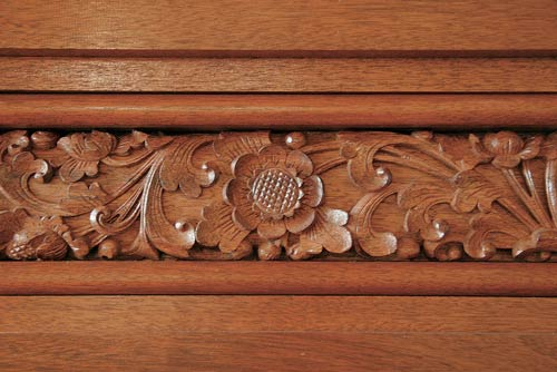 hand-carved-molding7